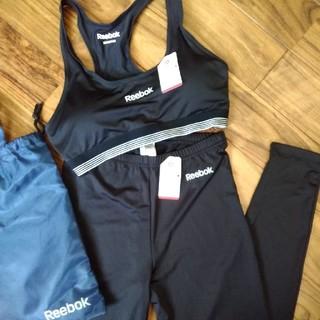 リーボック(Reebok)のリーボック ハーフトップ&くるぶし丈レギンス 黒 Mサイズ バッグ付き 未使用品(ヨガ)
