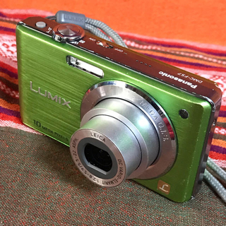 パナソニック(Panasonic)のlumix DMC-FS7 ライカレンズ使用 1000万画素4GB SD付き(コンパクトデジタルカメラ)