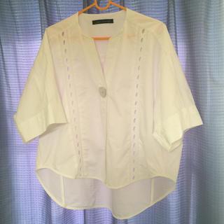 ザラ(ZARA)のZARA☆白シャツ・ブラウス(シャツ/ブラウス(半袖/袖なし))