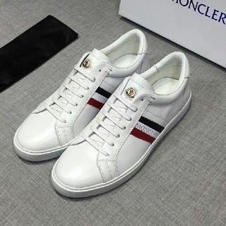 モンクレール(MONCLER)の美品Monclerフラットシューズ(メンズ) /白い(スニーカー)