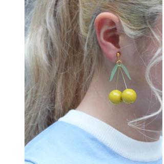 ドットアンドストライプスチャイルドウーマン(Dot&Stripes CHILDWOMAN)のDot&Stripes CHILD WOMAN チェリーモチーフイヤリング新品 (イヤリング)