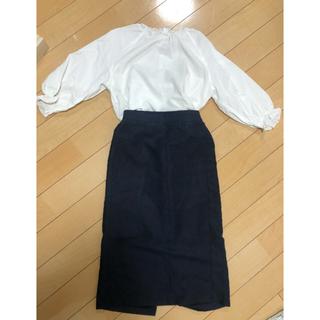 ジーユー(GU)のフェイクスエードタッチスカート (ひざ丈スカート)