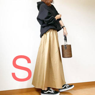 GU - guシャーリングフレアロングスカート新品S