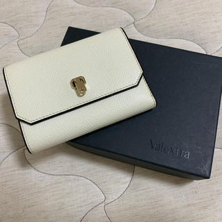 2909377fef56 ヴァレクストラ(Valextra)のvalextra ヴァレクストラ 折り財布 三つ折り財布 シティーウォレット(財布