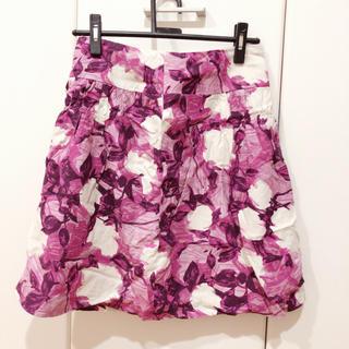 ノーブル(Noble)の花柄スカート ピンク(ひざ丈スカート)