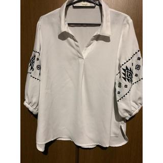 シマムラ(しまむら)のブラウス 刺繍(シャツ/ブラウス(半袖/袖なし))