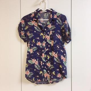 ジーユー(GU)のGU アロハシャツ 美品(シャツ/ブラウス(長袖/七分))