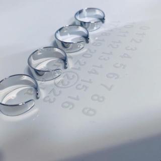 マルタンマルジェラ(Maison Martin Margiela)の二連リング シルバー 即購入OK(リング(指輪))