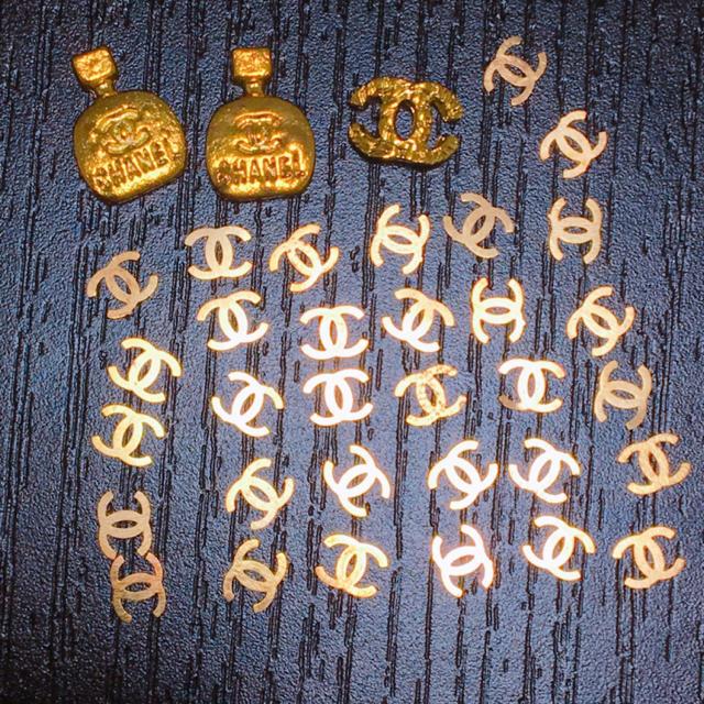 ココマーク CCマーク ネイルパーツ ゴールド 33個セット コスメ/美容のネイル(デコパーツ)の商品写真