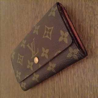 ルイヴィトン(LOUIS VUITTON)のセール! 本物 ルイ ヴィトン モノグラム 二つ折り財布(財布)