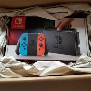 ニンテンドースイッチ(Nintendo Switch)のNintendo Switch (L) ネオンブルー/(R) ネオンレッド(家庭用ゲーム本体)