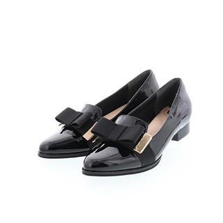 ランダ(RANDA)のうさぎ様専用   RANDA 今期 M エナメル リボン ペタンコ フラット(ローファー/革靴)