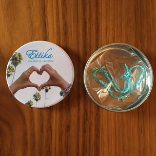 エティカ(Ettika)のEttika シェル型チャーム付きブレスレット(ブレスレット/バングル)