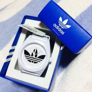 アディダス(adidas)のadidas 腕時計 ホワイト 美品(腕時計)