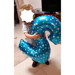ビッグ ブルー 数字 バルーン 2 (スタードット) 2歳 誕生日