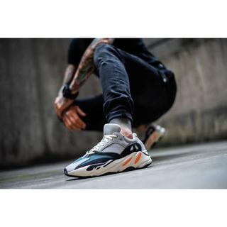 アディダス(adidas)のyeezy boost 700 wave runner 26cm(スニーカー)