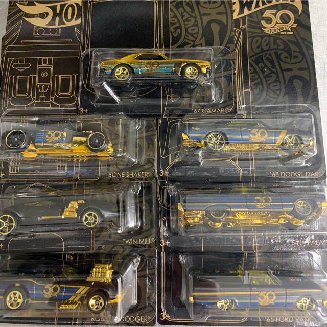Hotwheels ホットウィール 50周年アニバーサリー ブラック&ゴールド エンタメ/ホビーのおもちゃ/ぬいぐるみ(ミニカー)の商品写真