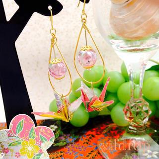 友禅和紙【薄桃 鉄線花柄】折り鶴と花柄トンボ玉の和風ピアス(ピアス)