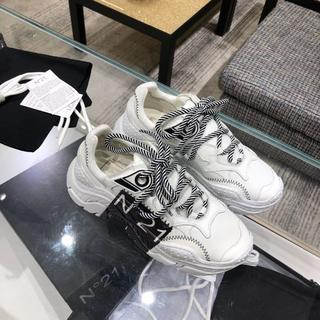 ヌメロヴェントゥーノ(N°21)の人気品 N°21 レディース 靴/シューズ スニーカー  37(スニーカー)