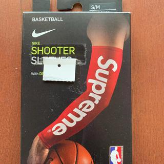 シュプリーム(Supreme)のsupreme nike nba shooting sleeve  赤 s/m(バスケットボール)