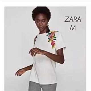 ザラ(ZARA)の【新品・未使用】 ZARA 刺繍入り Tシャツ Mサイズ(Tシャツ(半袖/袖なし))
