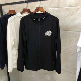 モンクレール(MONCLER)の春夏の新品Moncler ジャケット/薄い生地/黒い (ブルゾン)