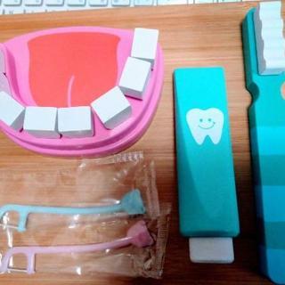 歯医者さんのおもちゃ フロスちゃん 歯みがきトレーニング 虫歯予防デー(知育玩具)