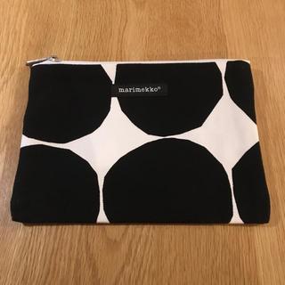 マリメッコ(marimekko)の正規品 マリメッコ marimekko kivet 黒 ファスナーポーチ(ポーチ)