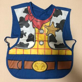 Disney - 未使用☆ディズニー ウッディ お食事エプロン スタイ トイストーリー