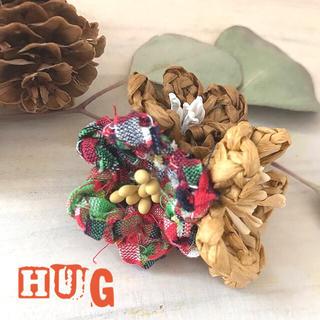 Hugの花手毬  ガーベラの花言葉  850円(ブローチ/コサージュ)