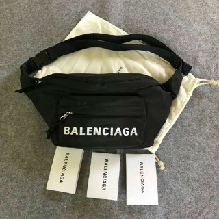Balenciaga - バレンシアガ、ウエストパック