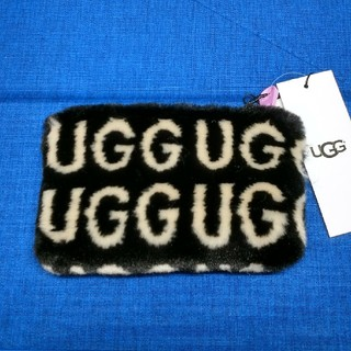 アグ(UGG)の【新品】UGG  アグ  ポーチ ♡SMALL ZIP POUCH UGG(ポーチ)