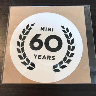 ビーエムダブリュー(BMW)のMINI ミニ ステッカー 60周年 非売品 新品 未使用(車外アクセサリ)