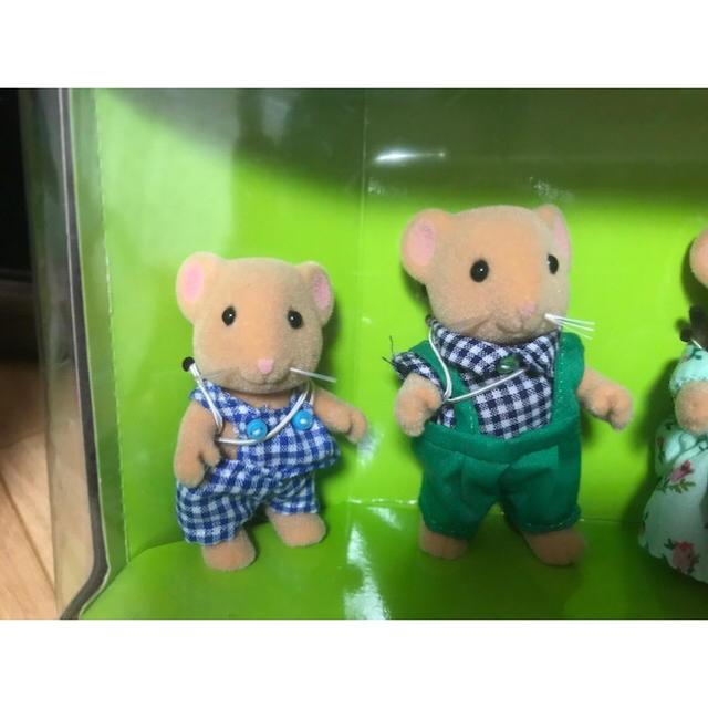 EPOCH(エポック)のシルバニアファミリー☆野ねずみ(ヤマネ)ファミリー☆ エンタメ/ホビーのおもちゃ/ぬいぐるみ(キャラクターグッズ)の商品写真