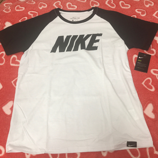 ナイキ(NIKE)の【新品・未使用】Nike ナイキ Tシャツ 白/黒 XL(Tシャツ/カットソー(半袖/袖なし))