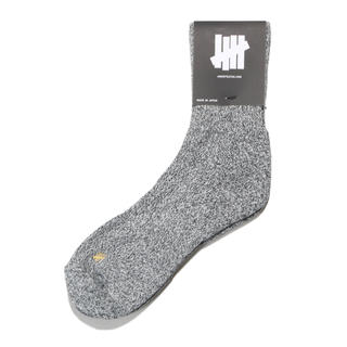 UNDEFEATED Crew Socks B-A-W