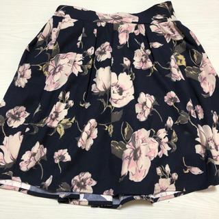 エムズエキサイト(EMSEXCITE)のEmsexcite 花柄スカート(ミニスカート)