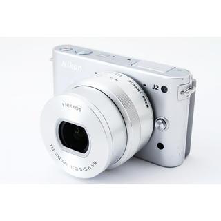 ニコン(Nikon)の☆電動ズームレンズ♪WiFiカード付き☆ニコン J2 シルバー レンズキット(ミラーレス一眼)