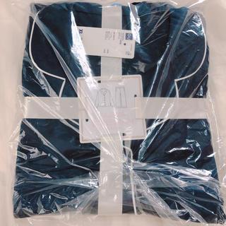 ジーユー(GU)のジーユー XLサイズ 長袖 春物 サテンパジャマシルク感ネイビーGUルームウェア(パジャマ)
