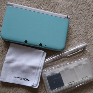 ニンテンドー3DS(ニンテンドー3DS)の美品 3DSLL 本体 ミント×ホワイト おまけつき(携帯用ゲーム本体)