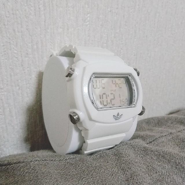 adidas(アディダス)のadidas(アディダス)デジタル腕時計white レディースのファッション小物(腕時計)の商品写真