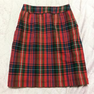 赤チェックスカート(ひざ丈スカート)