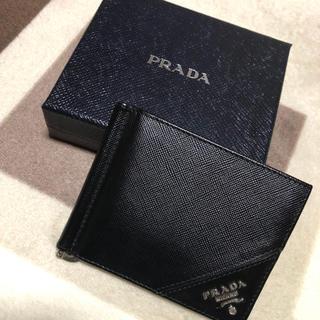 0ae2e57695bc PRADA - 【美品】プラダお札入れ マネークリップ ブラックレザーの通販 ...