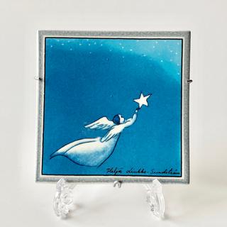 アラビア(ARABIA)のアラビア ヘルヤ 陶板画 2000年 空飛ぶ天使(置物)