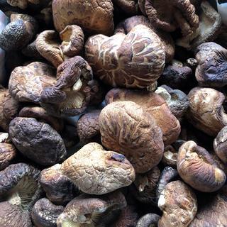 原木しいたけ 干し椎茸200g(野菜)