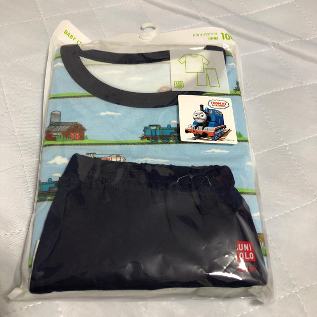 UNIQLO(ユニクロ)のユニクロ ドライパジャマ トーマス キッズ/ベビー/マタニティのキッズ服 男の子用(90cm~)(パジャマ)の商品写真