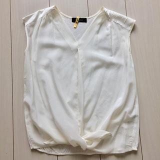 デミルクスビームス(Demi-Luxe BEAMS)のDemi-Luxe BEAMS 白 ブラウス カットソー リボン(シャツ/ブラウス(半袖/袖なし))