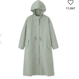 ジーユー(GU)の新品タグ付き GU ドローストリングフーデッドコート (スプリングコート)