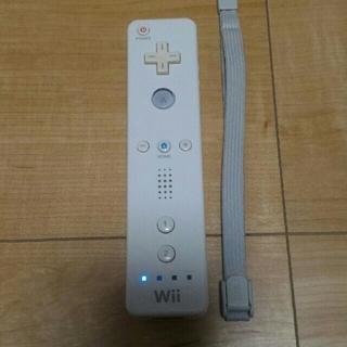 Wii - ⑬ wiiリモコン 白 ストラップ付