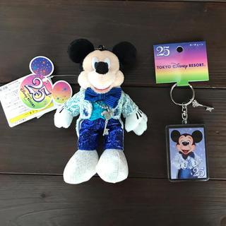 ディズニー(Disney)の東京ディズニーランド25周年ミッキーぬいぐるみバッジ&キーチェーン(キャラクターグッズ)